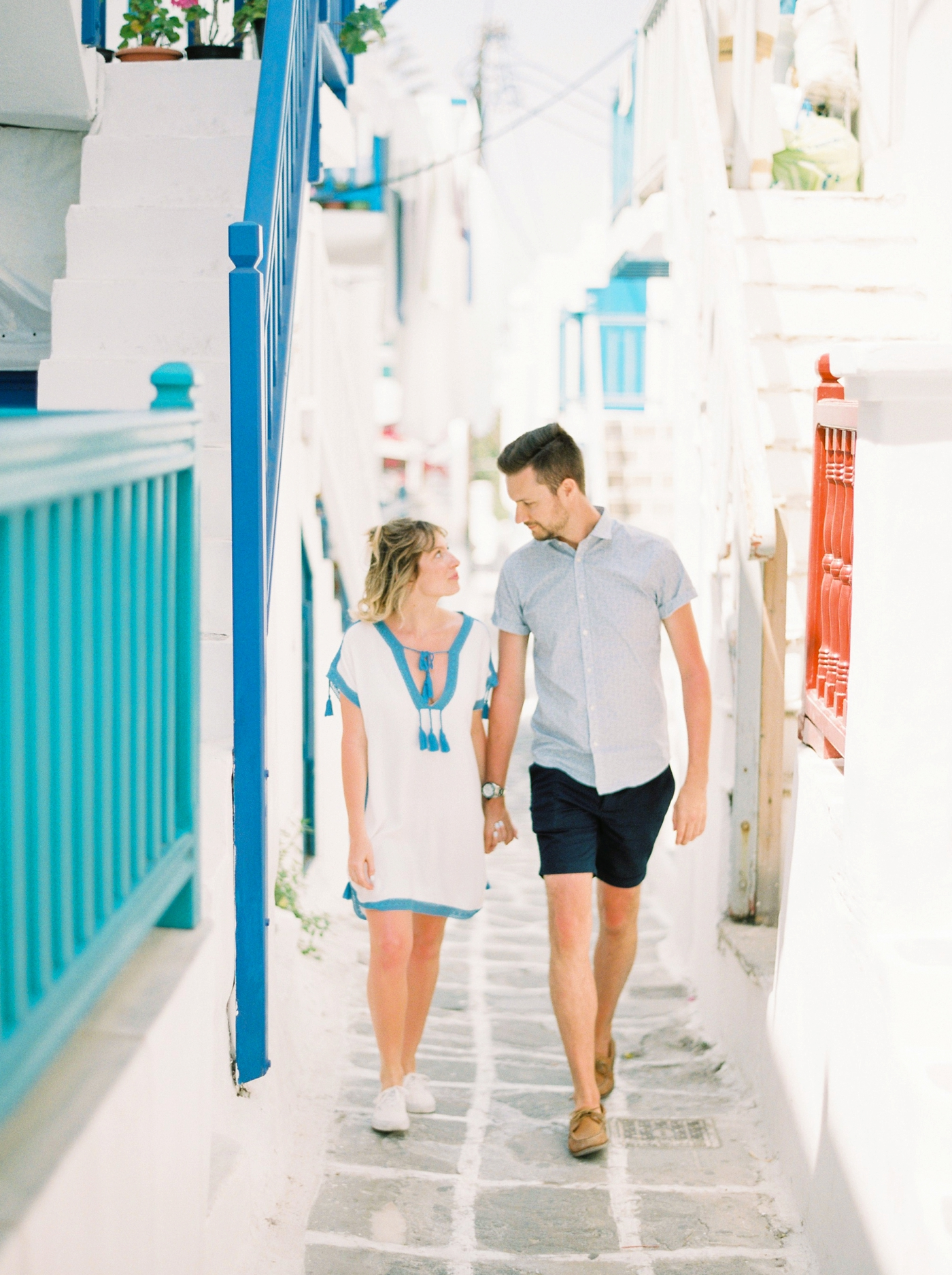 mykonos couples photographer | greece wedding photographers | travel blogger | blue and white streets | justine milton photography