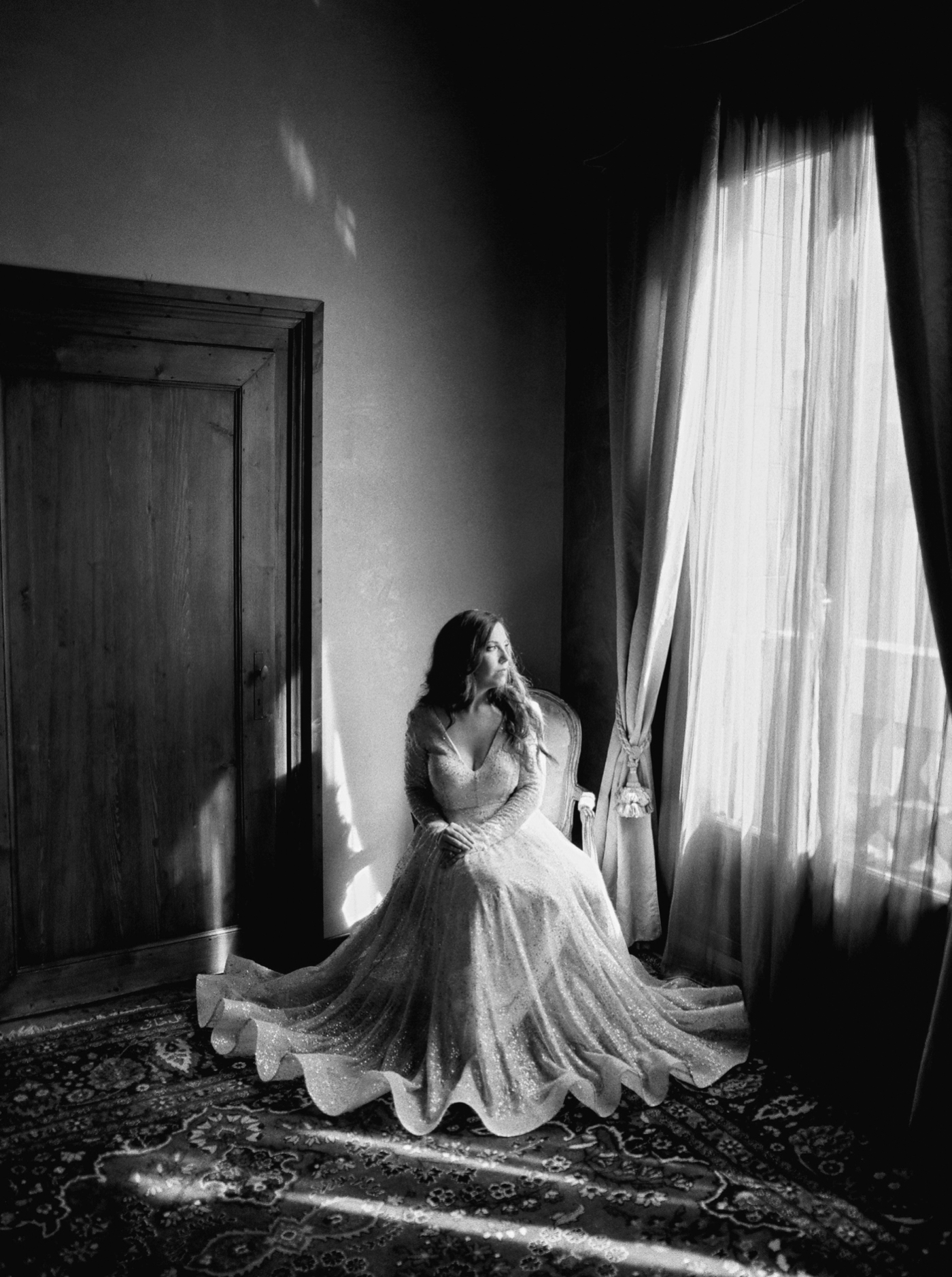 Venice italy wedding photographers | long sleeve wedding dress | italy vow renewal | justine milton fine art film photographer | getting ready portraits black and white film