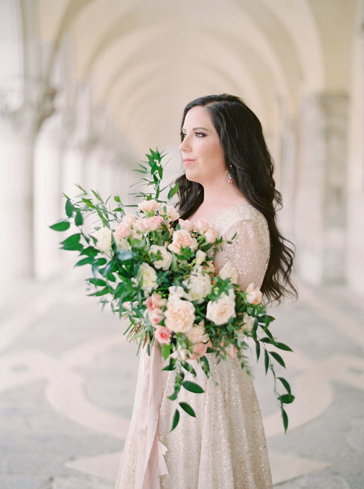 Venice italy wedding photographers | long sleeve wedding dress | italy vow renewal | justine milton fine art film photographer | bridal portraits bridal bouquet