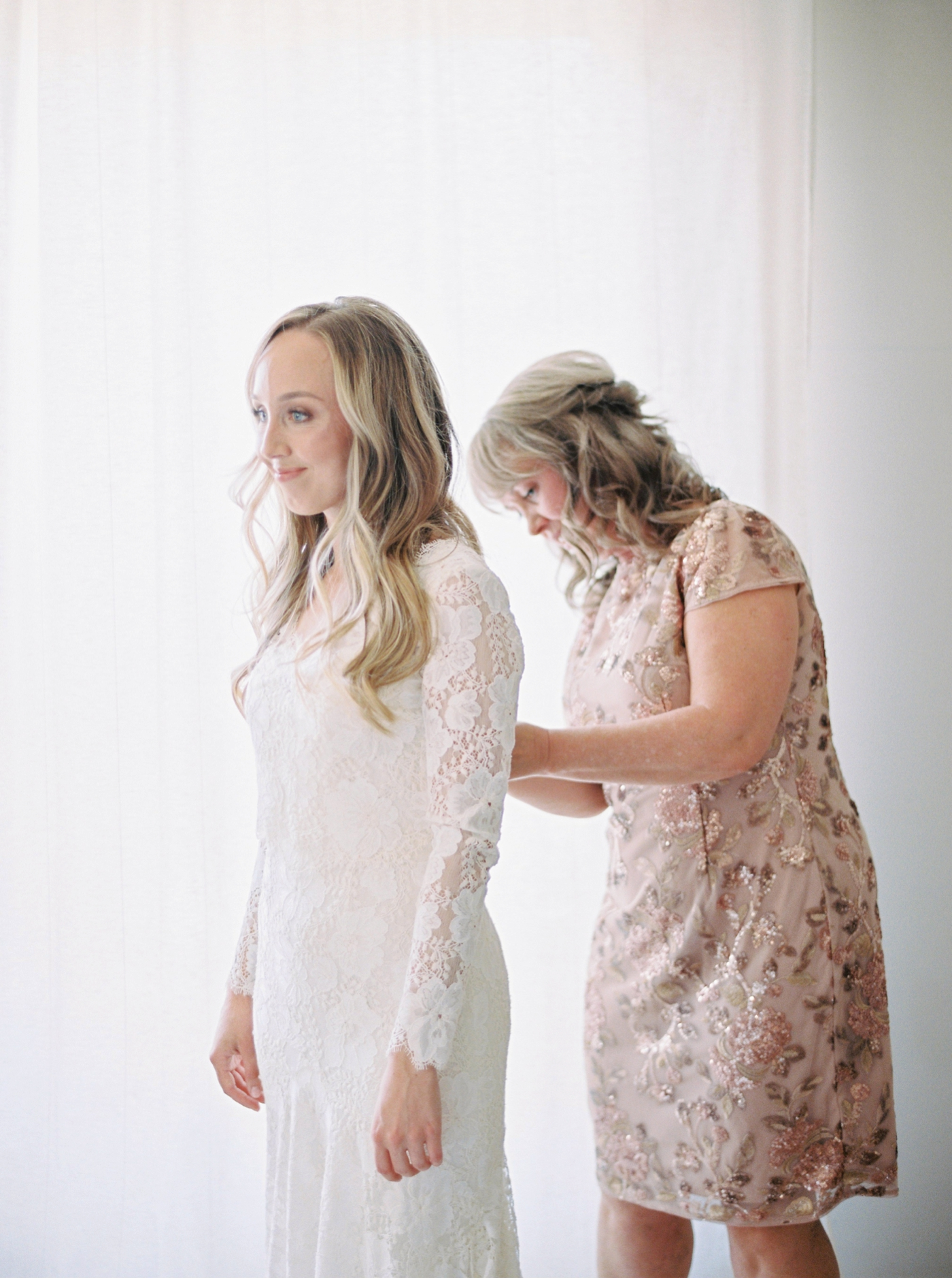 Calgary wedding photographers | The Gathered Farm Wedding | Justine milton fine art film photographer | bride getting ready