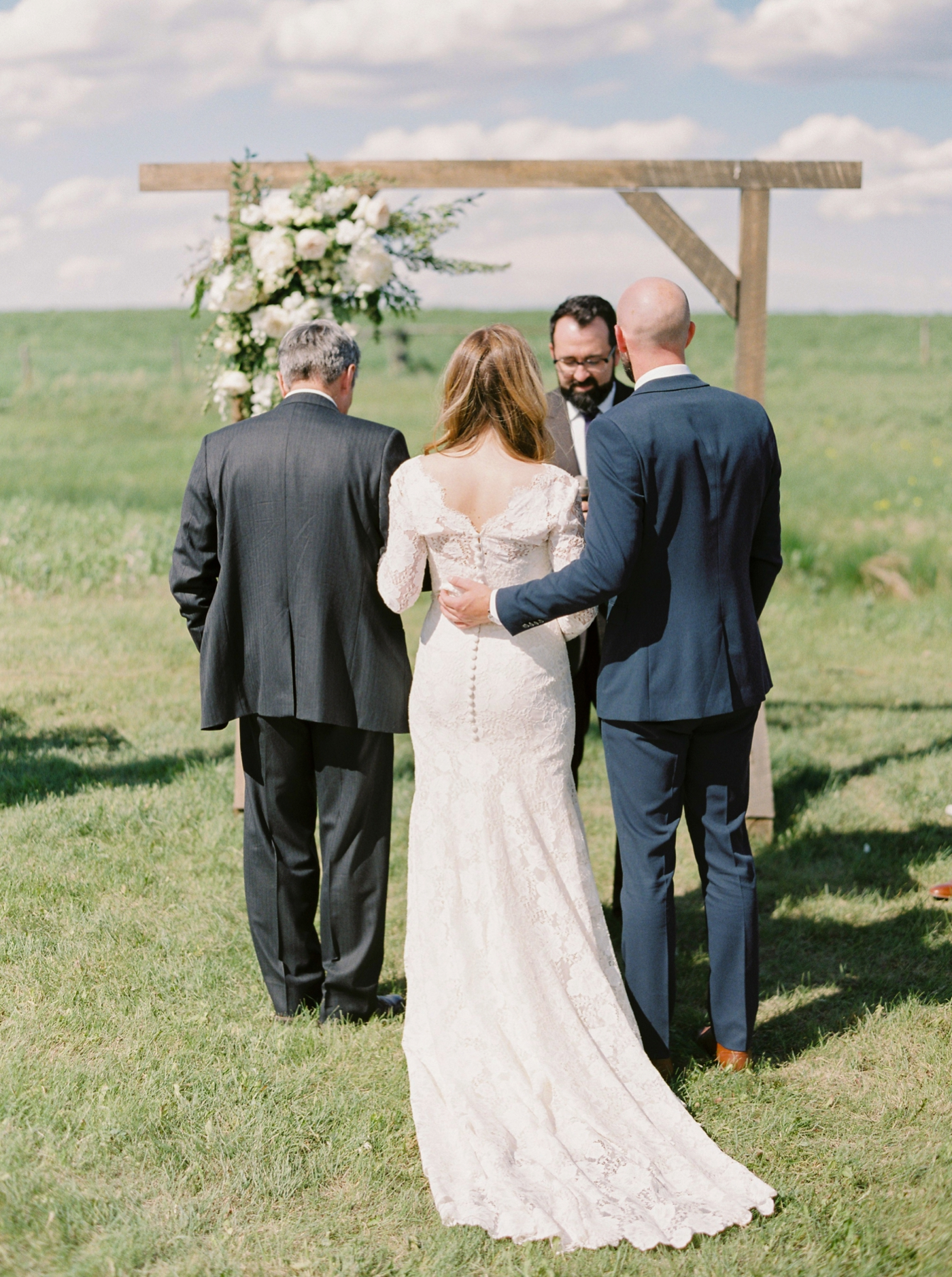 Calgary wedding photographers | The Gathered Farm Wedding | Justine milton fine art film photographer | outdoor farm wedding ceremony