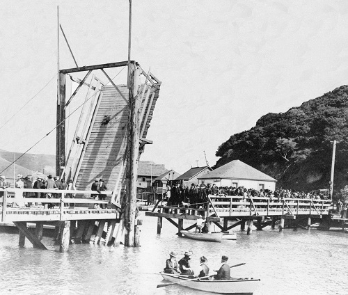 PHOTO COURTESY OF BELVEDERE-TIBURON LANDMARKS SOCIETY  Drawbridge being raised on Belvedere Lagoon.