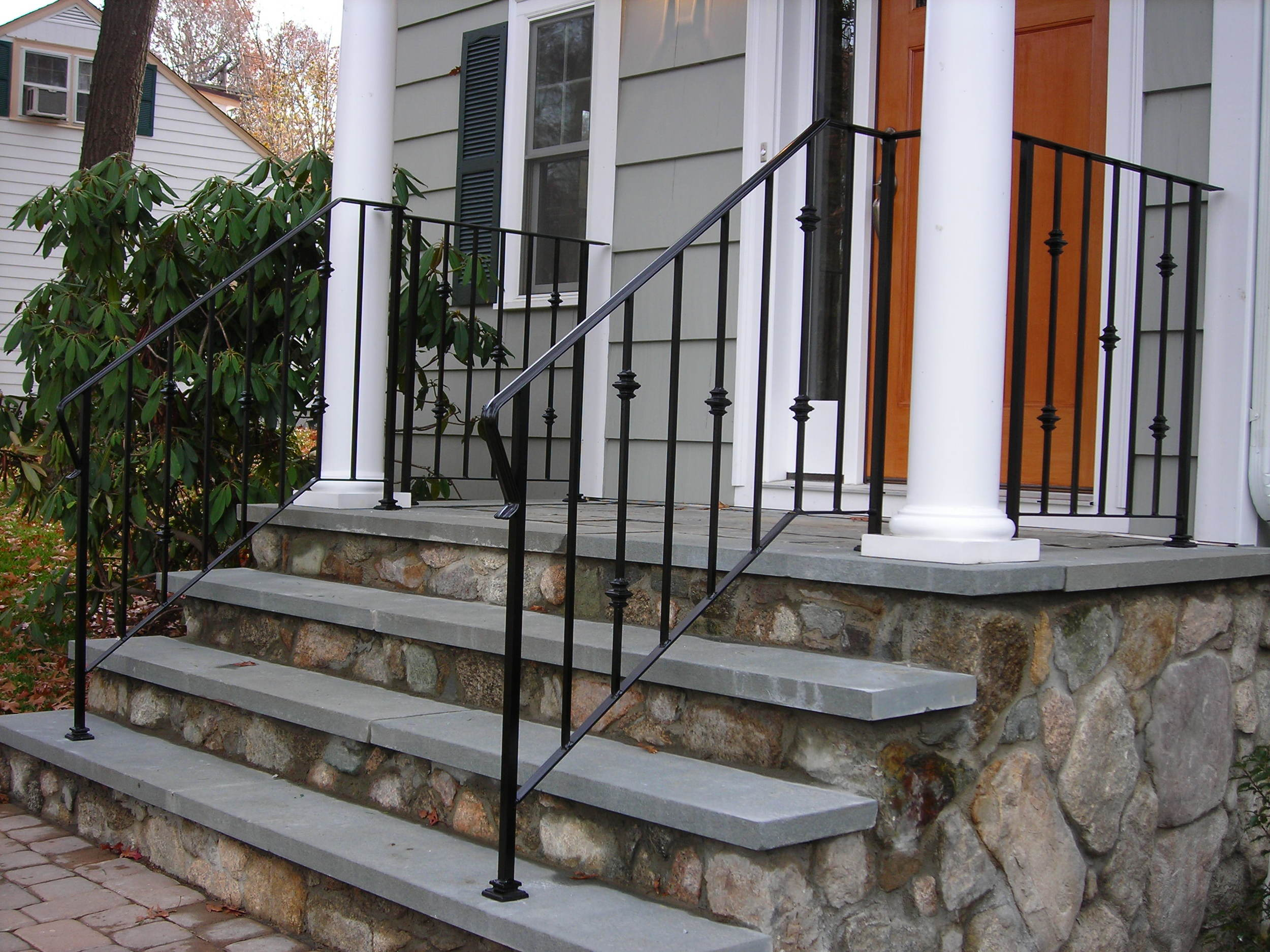 Railings with Cast Iron Collars & Shoes