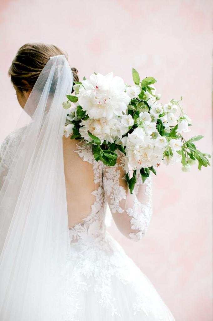 romantic-spring-bridal-inspiration-white and green bouquet-WIld Fleurette- Richmond Virginia Wedding florist-08-680x1025.jpg