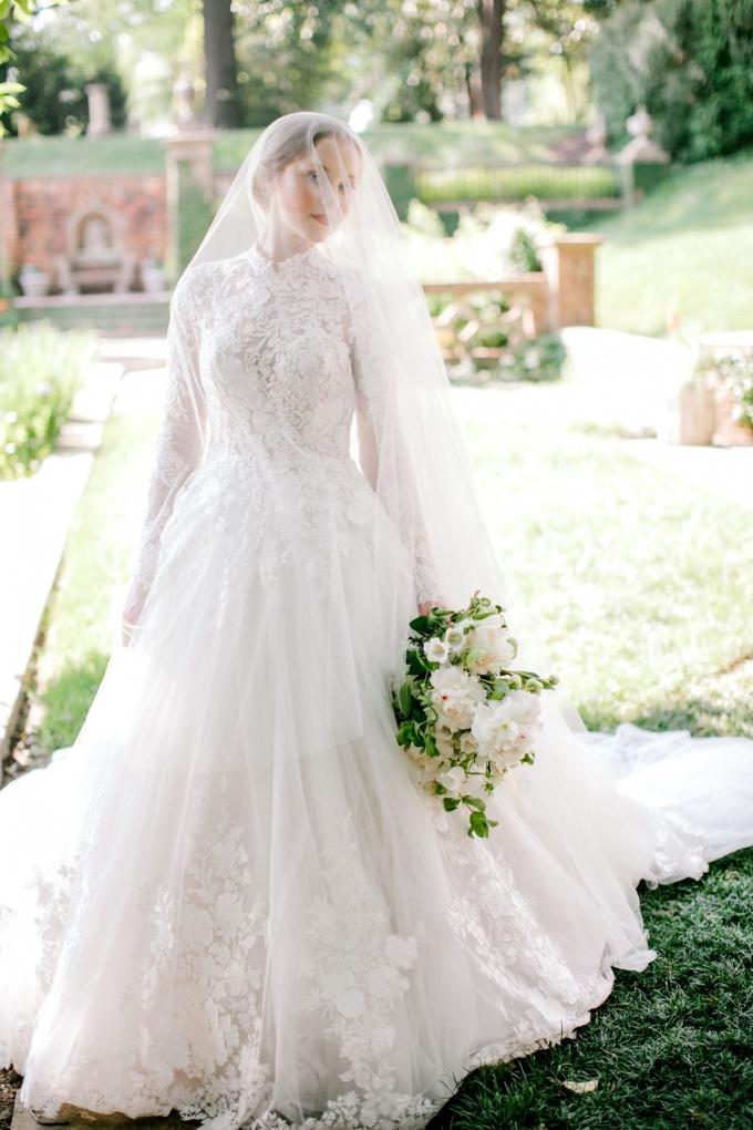 romantic-spring-bridal-inspiration-white and green bouquet-WIld Fleurette- Richmond Virginia Wedding florist-10-680x1020.jpg
