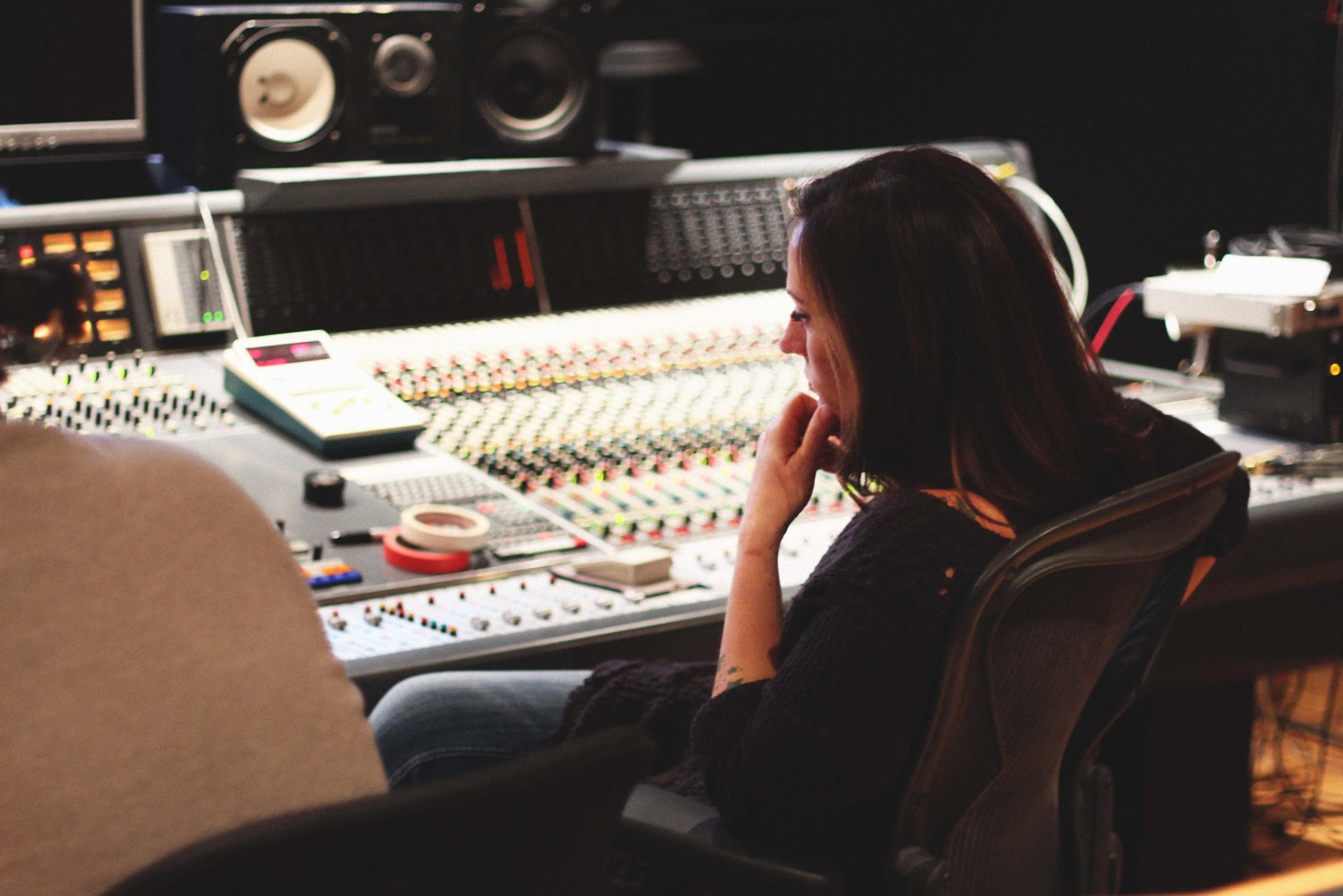 Keri Noble - Studio 4