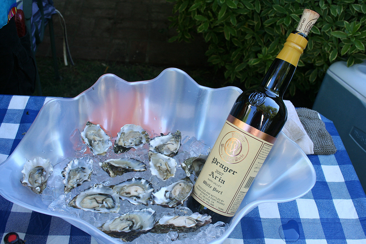 Aria White Port and Oysters