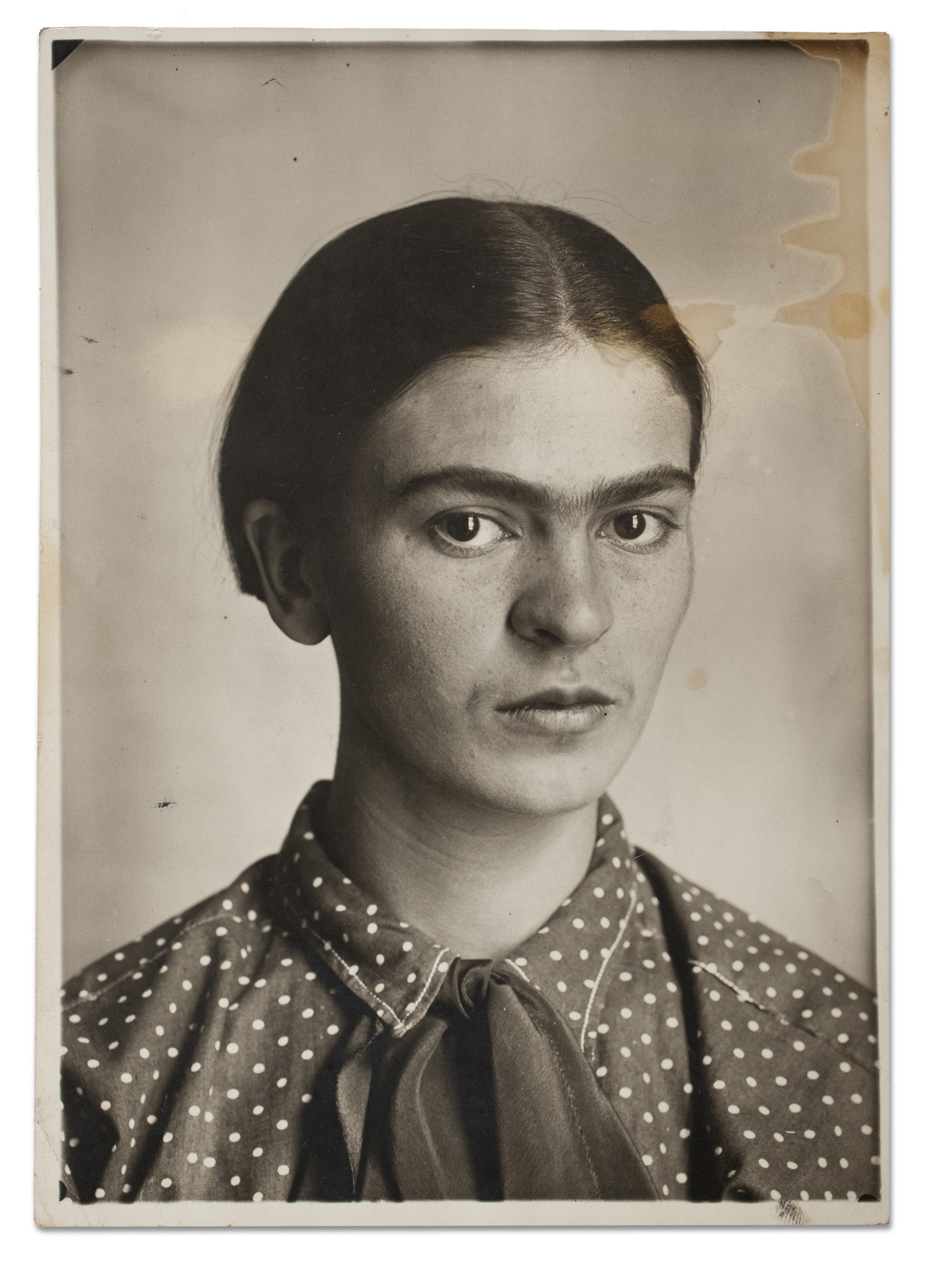 Frida Kahlo, c. 1926. Museo Frida Kahlo. © Diego Riviera and Frida Kahlo Archives, Banco de México, Fiduciary of the Trust of the Diego Riviera and Frida Kahlo Museums..jpg