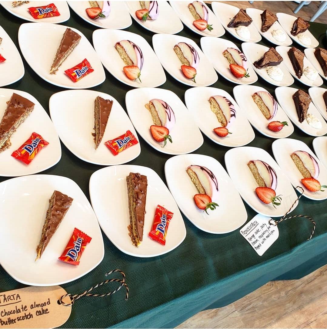 Tarta: Chocolate almond butterscoth cake. Princesstarta: Sponge cake with pastry cream, raspberry jam topped with marzipan