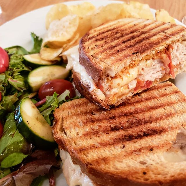 Dinner at @tintoeverydaywine! Did you know every Tuesday you can get a sandwich of your choice, salad, chips and glass of wine for only $15?  They have locations in Chesapeake, Norfolk, and Virginia Beach. . . . . #grilledcheese #wine #foodblogger #vafoodie #foodphotography #instaeat #yelpeats