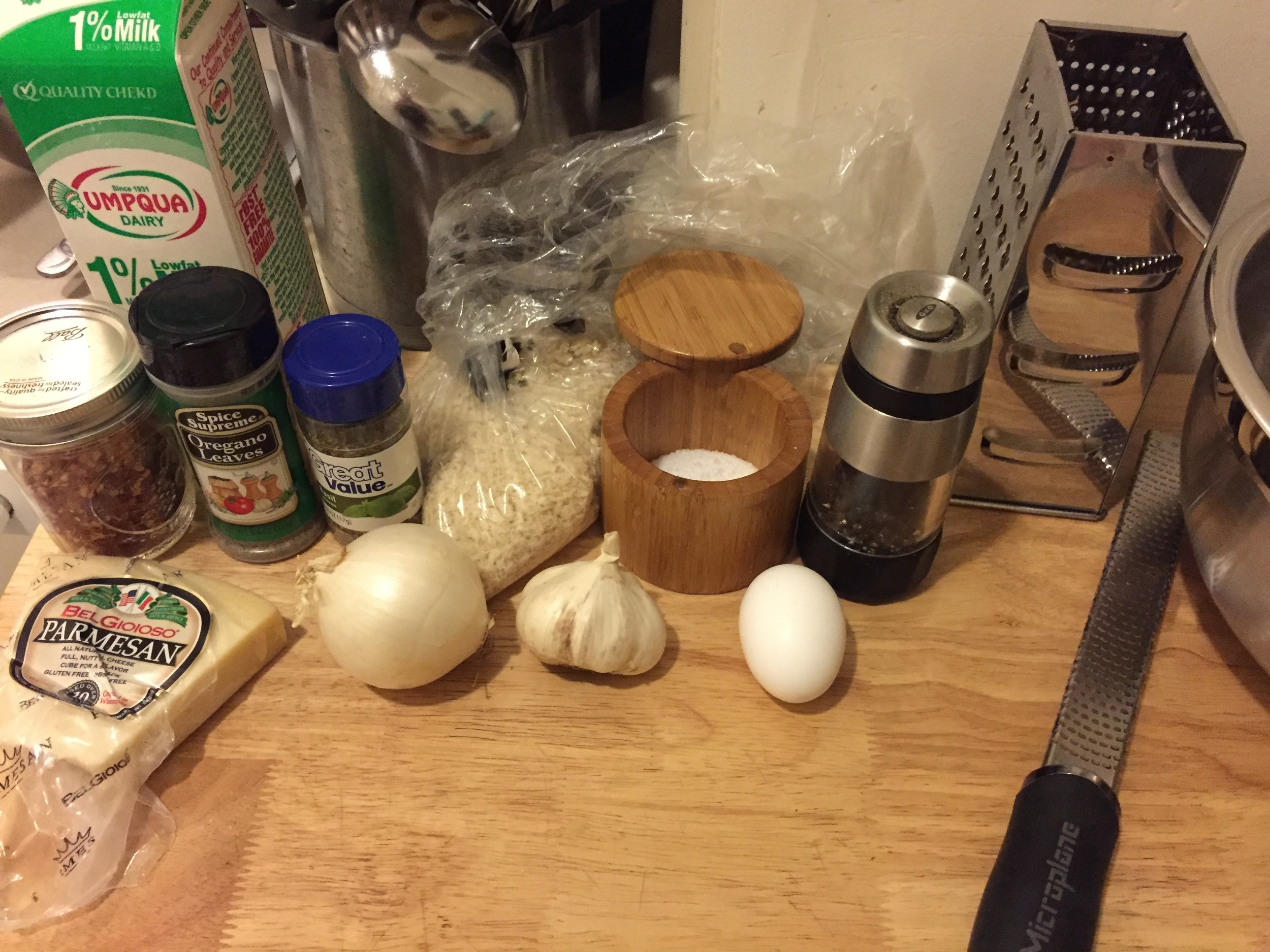 Ingredients, assemble! You would also have your parsley here if you didn't leave it in the fridge like a dummy.