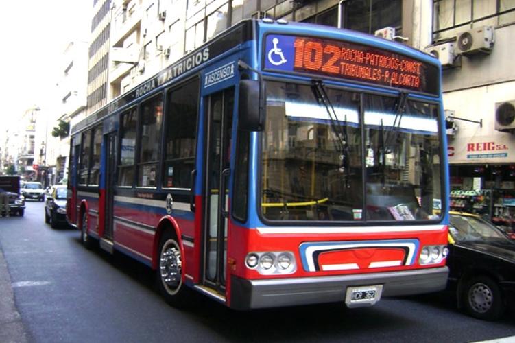 dbup_buses_serie16_3.jpg
