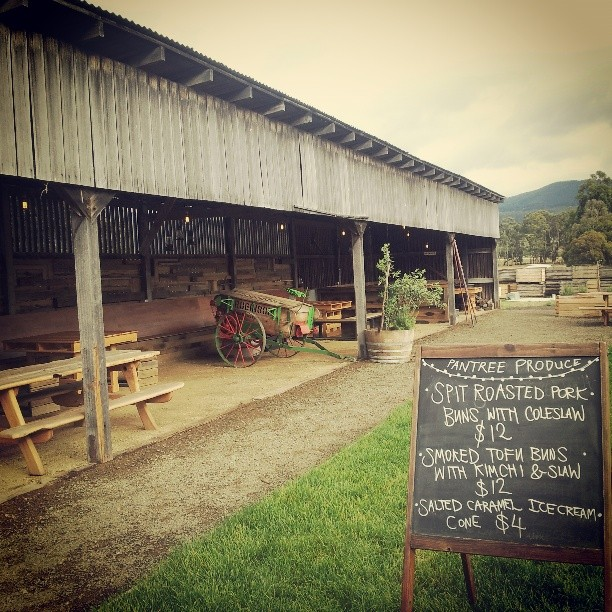 Down at the beautiful @theappleshed today for a pig in spit #sundaysessions #theappleshed