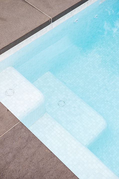 Bisazza glass mosaics for swimming pools and spas.