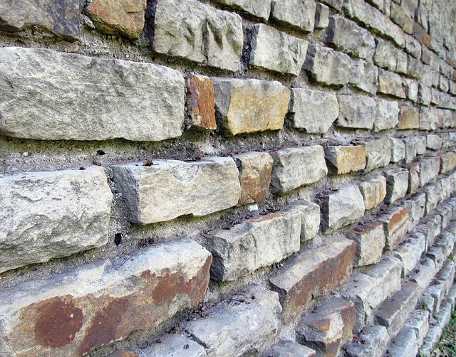 brick-wall-427571_640.jpg