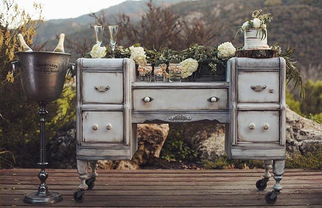 The Cake Table 🎂 #details #wedding #weddingphotographer #losangeles