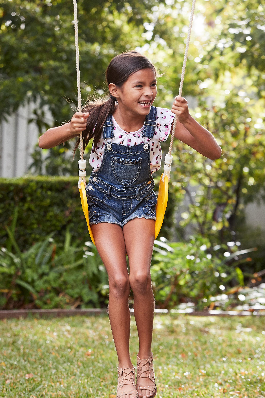 44083_Outdoor_ENT_Toys_Kidscraft_Swingset_95I2921.jpg