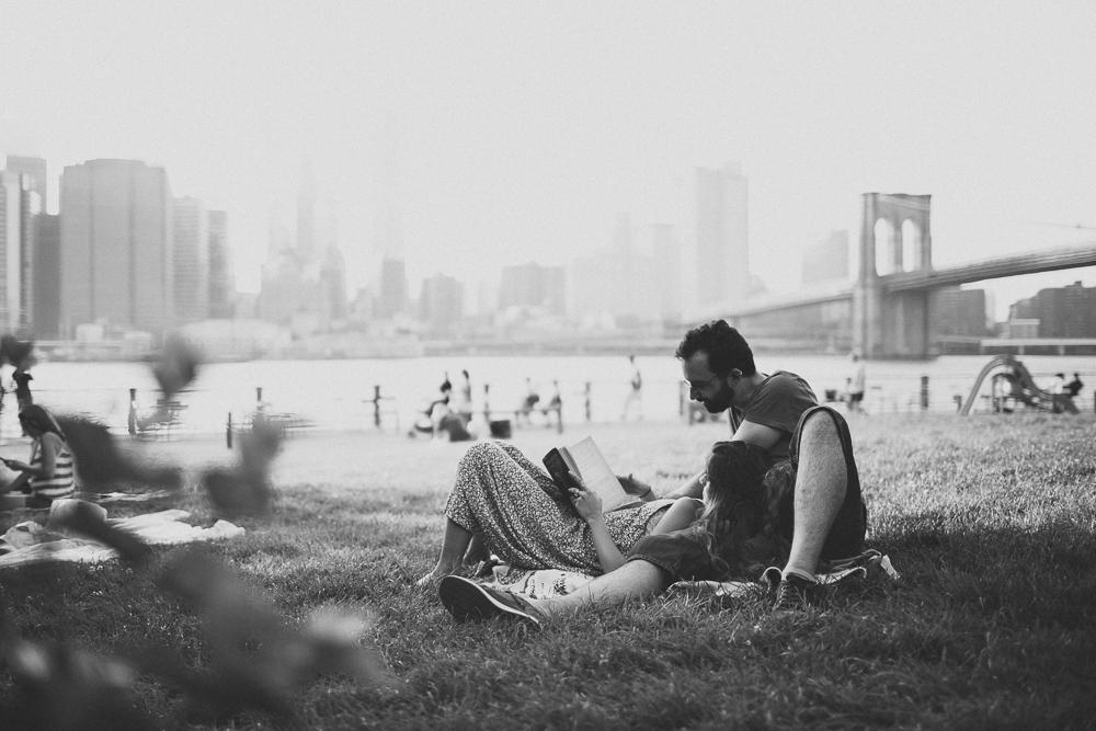 Brooklyn_Anniversary_Couples_Photo_Shoot-31.jpg