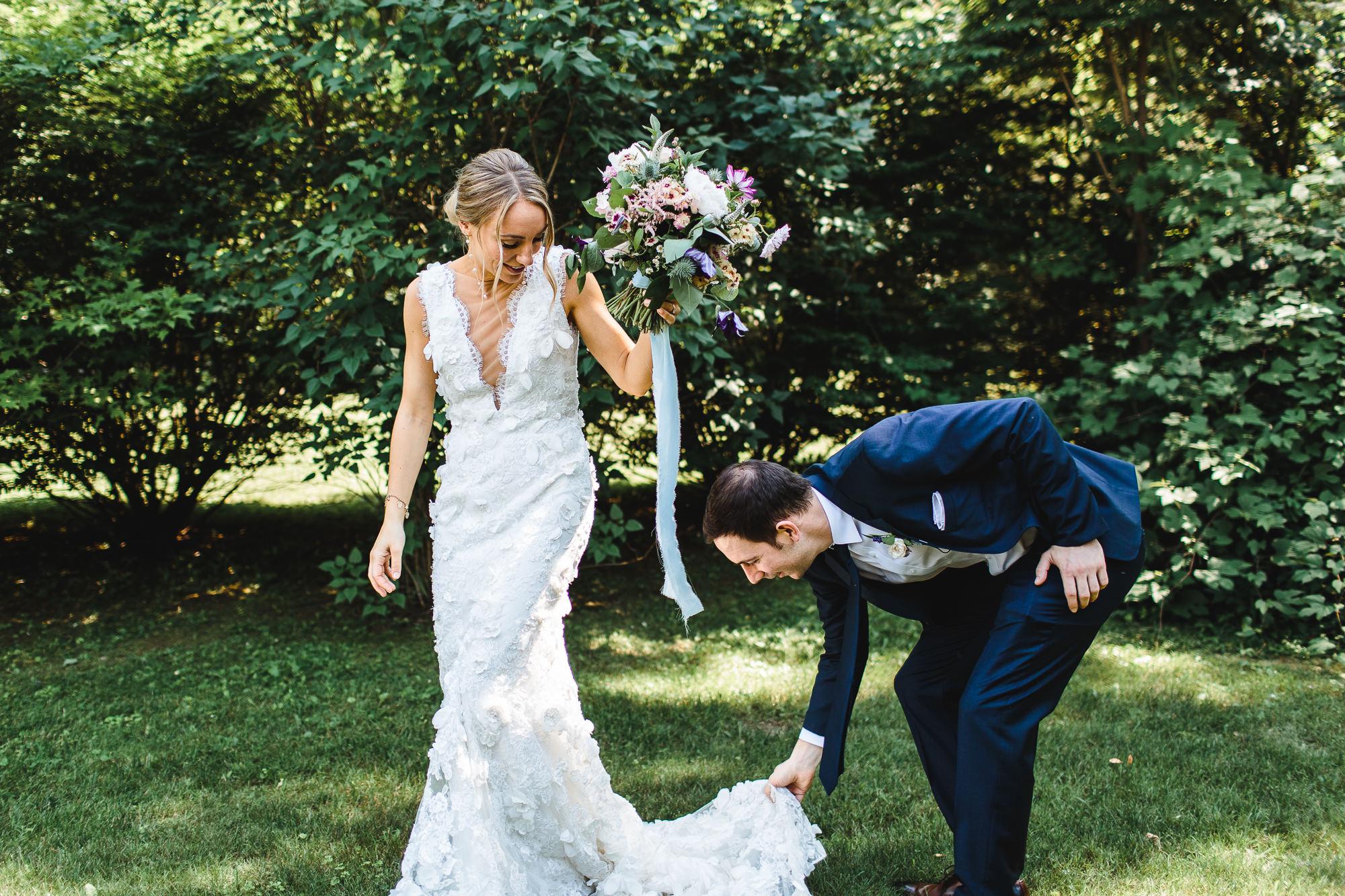 connecticut-summer-lake-wedding-emily-kirke-photography-upstyle (44 of 181).jpg