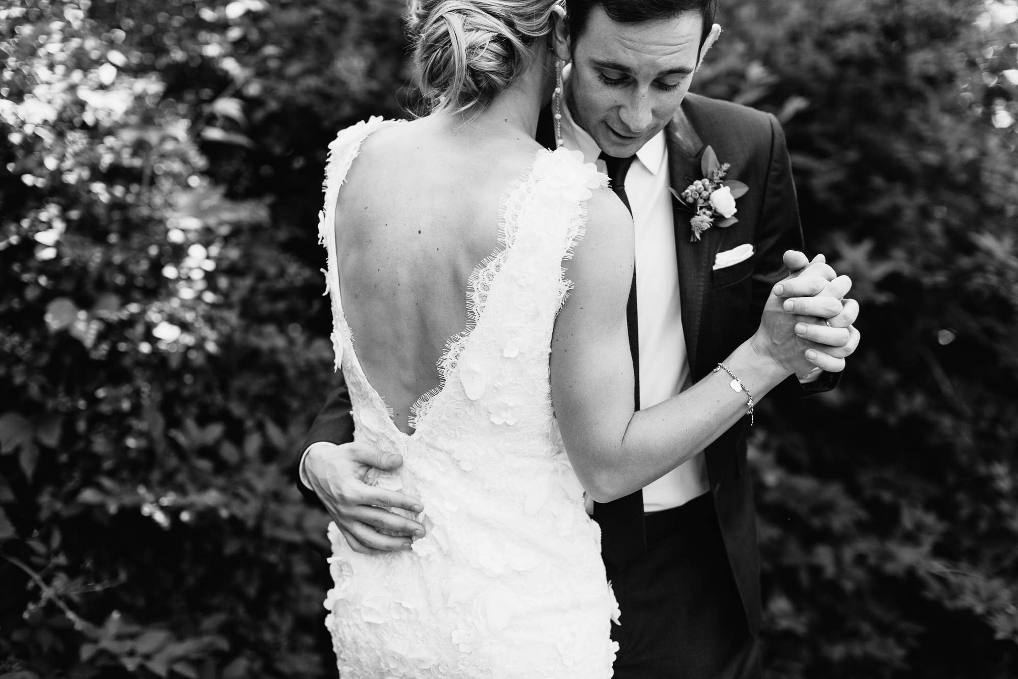connecticut-summer-lake-wedding-emily-kirke-photography-upstyle (54 of 181).jpg