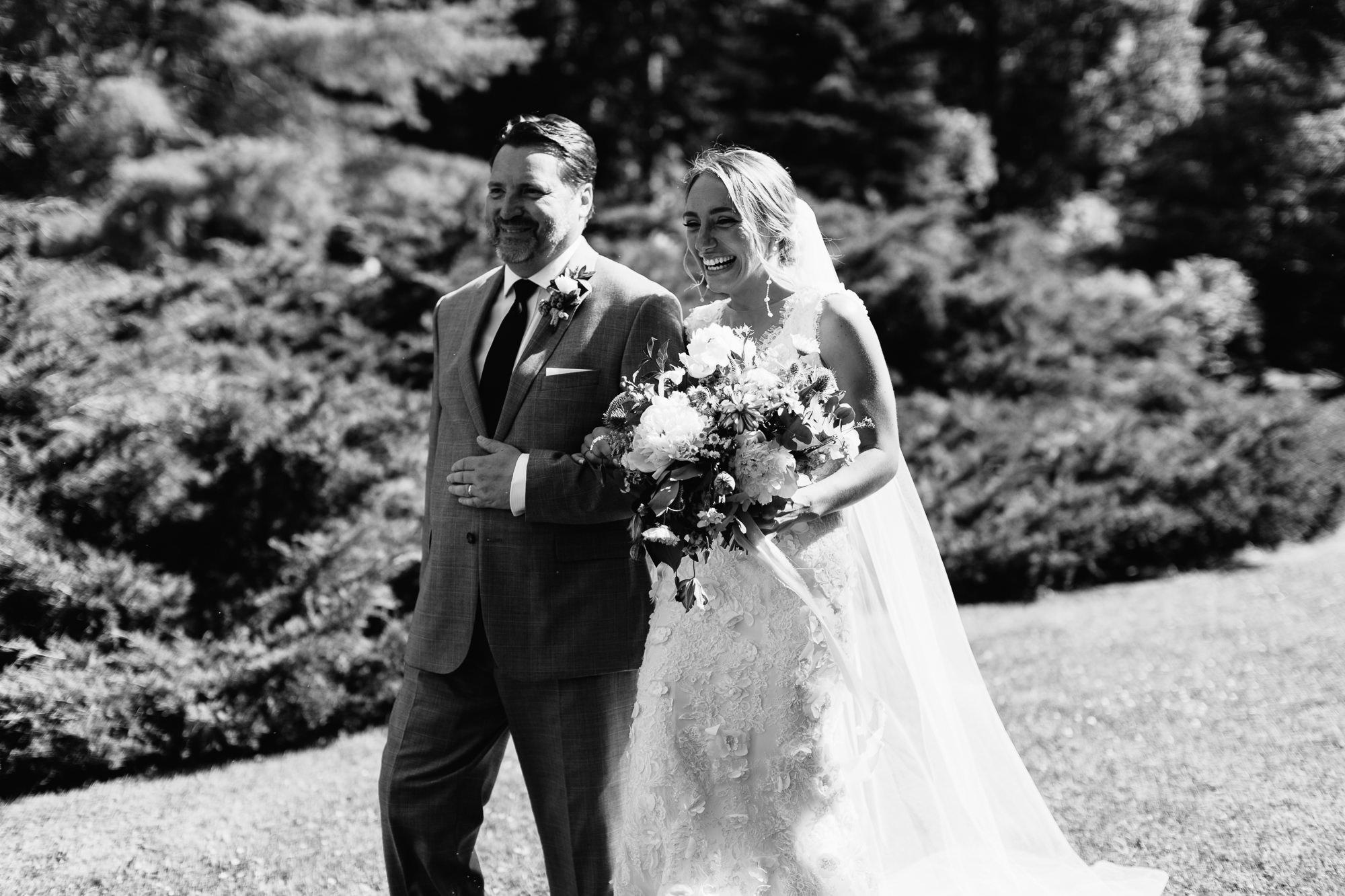 connecticut-summer-lake-wedding-emily-kirke-photography-upstyle (85 of 181).jpg