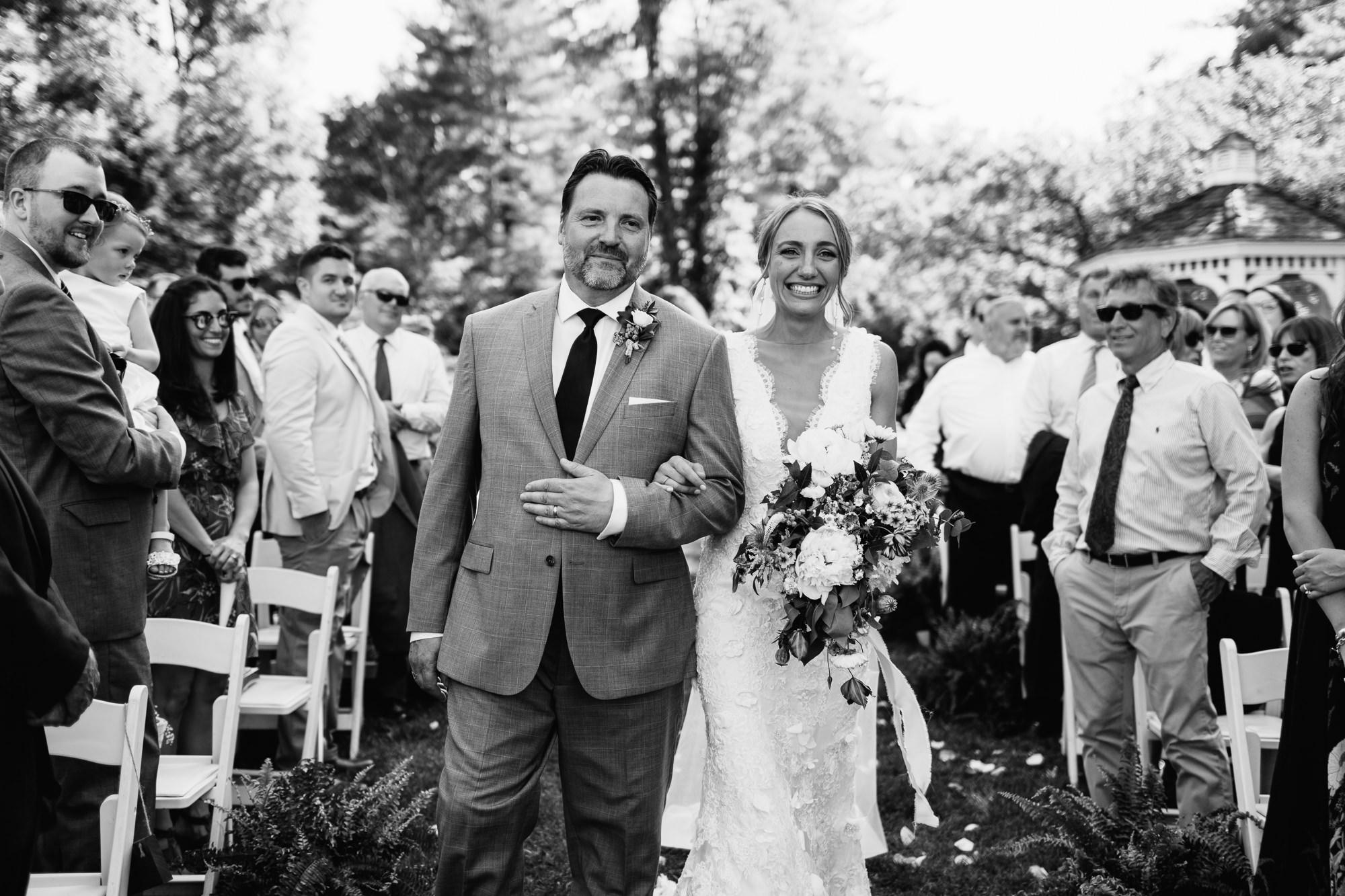 connecticut-summer-lake-wedding-emily-kirke-photography-upstyle (88 of 181).jpg