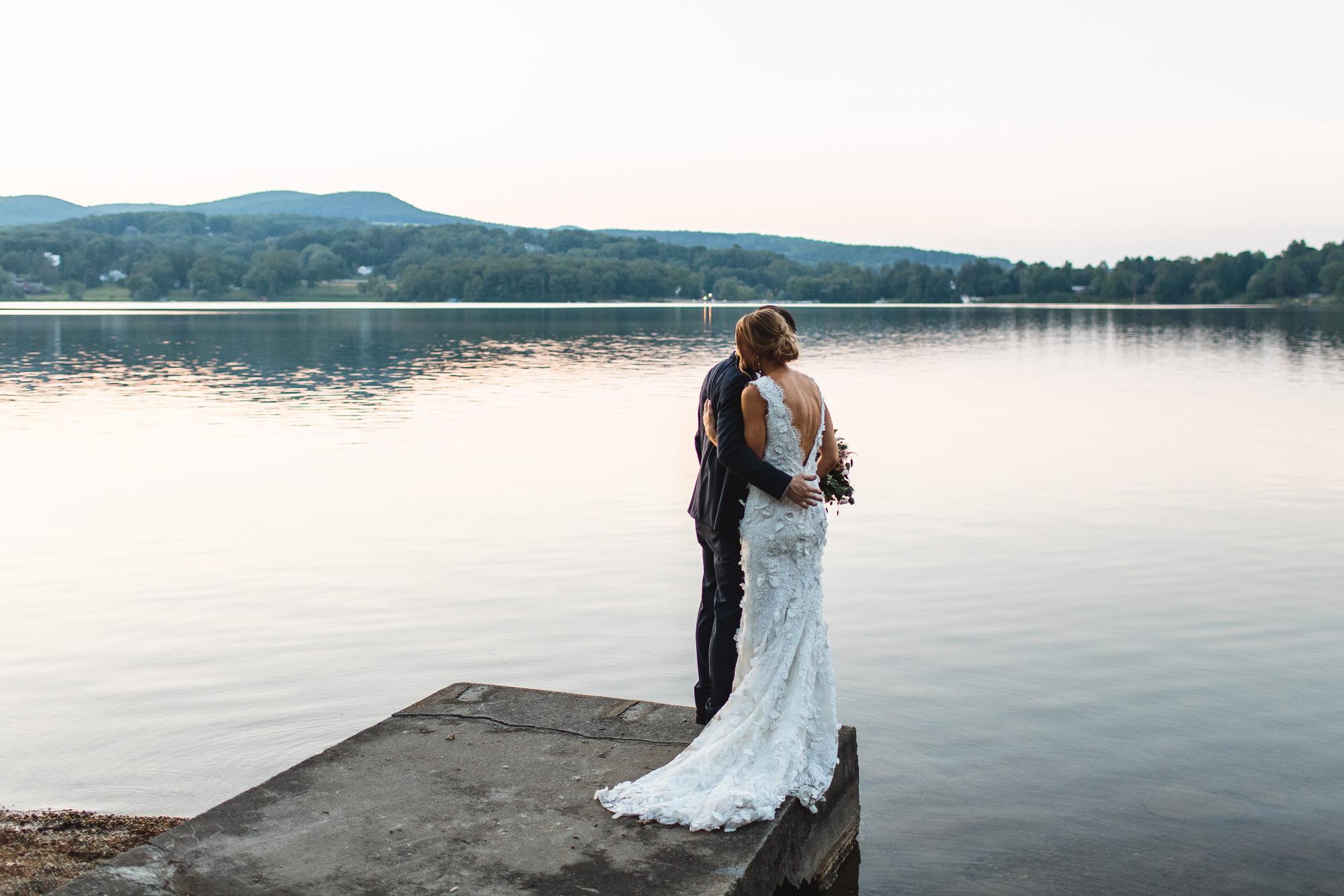 connecticut-summer-lake-wedding-emily-kirke-photography-upstyle (163 of 181).jpg