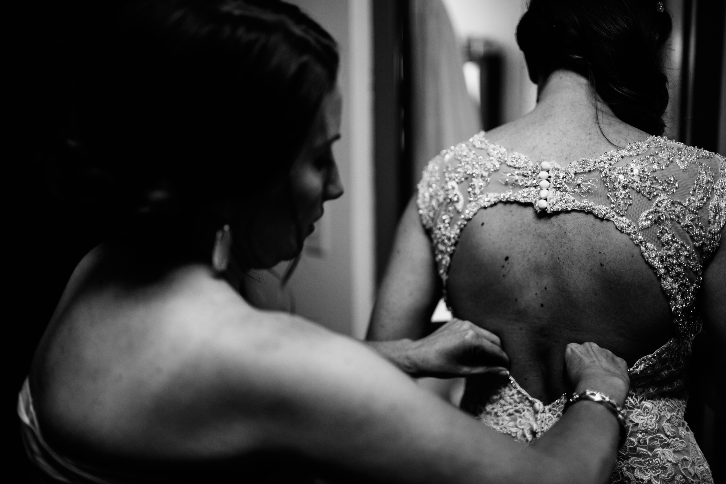 KELLIandBRADweddingJUNE2015 - gettingready (41 of 66).jpg