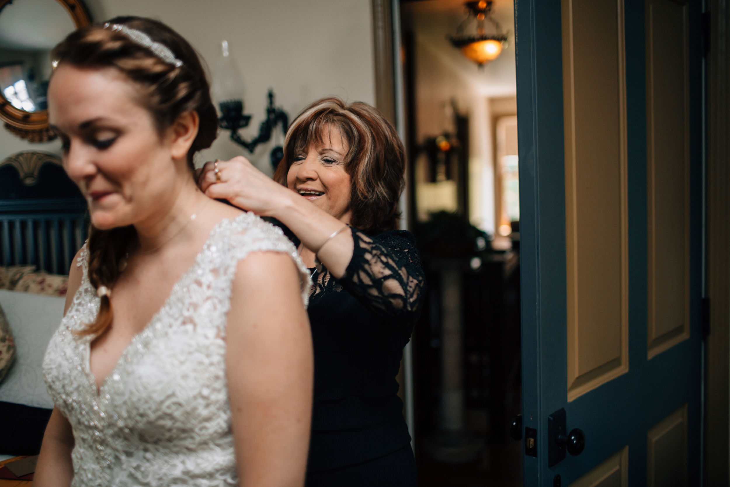 KELLIandBRADweddingJUNE2015 - gettingready (47 of 66).jpg