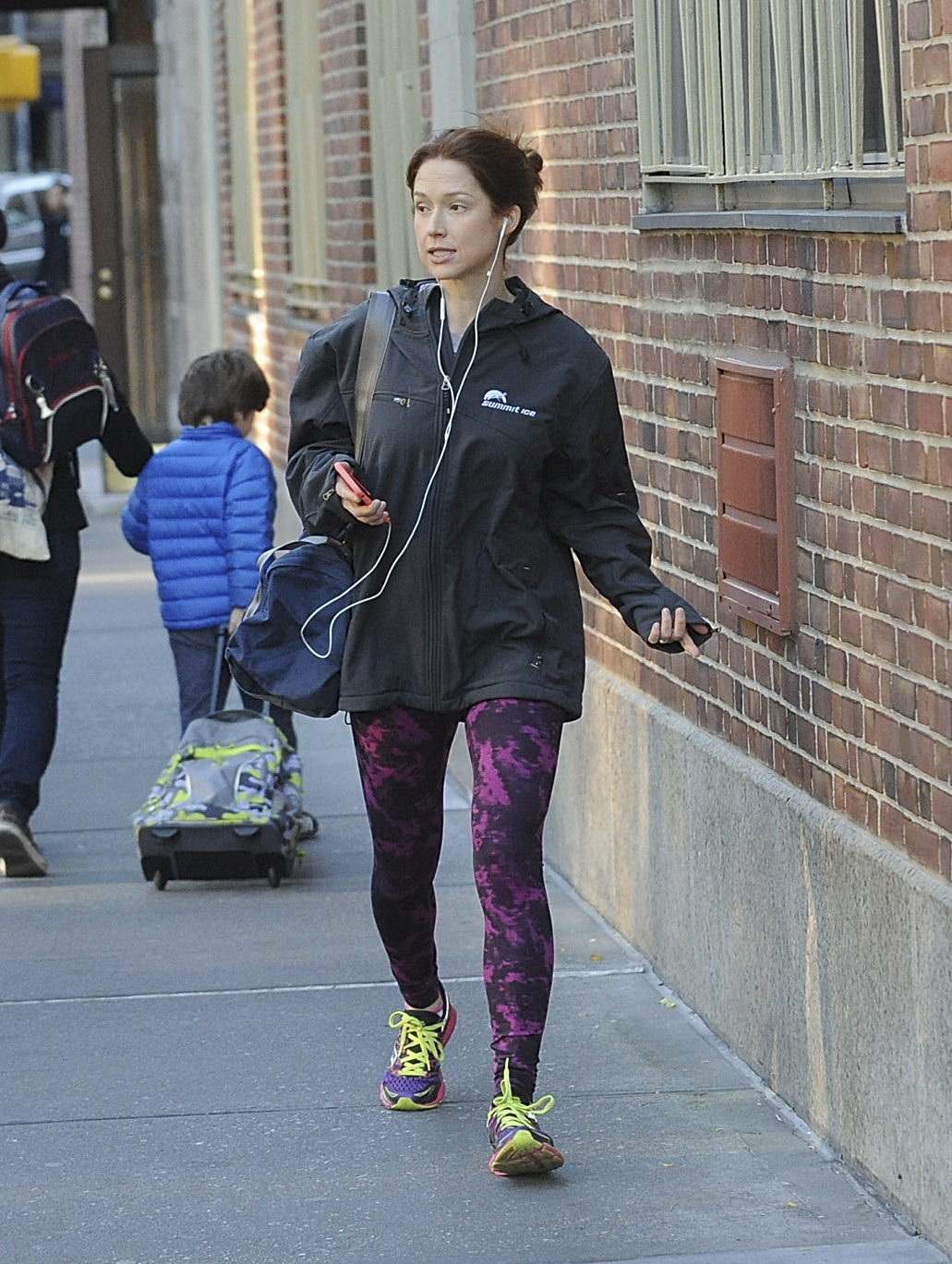 A chatty  Ellie Kemper  proves that wearing Summit Ice is always a good call.