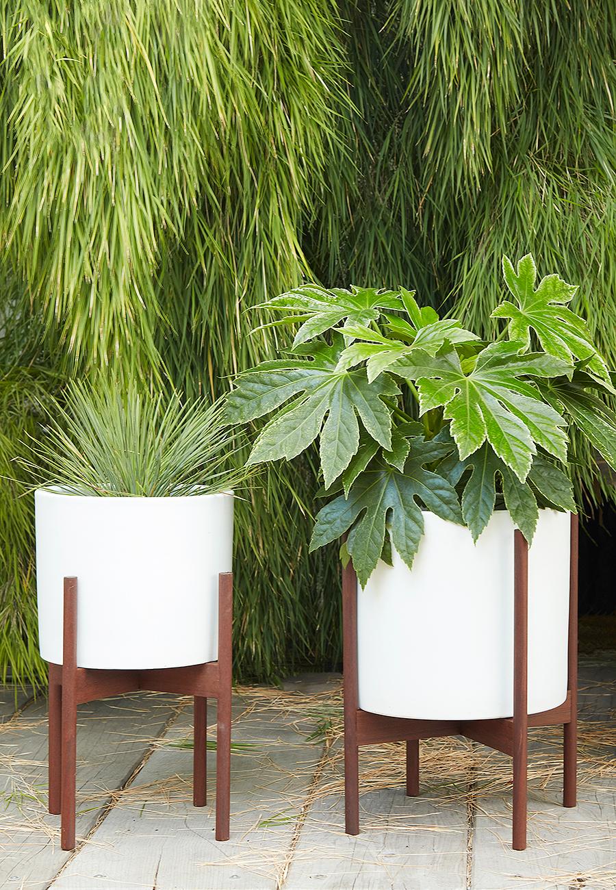 Flora Grubb Gardens Modernica Ceramic Planter Pot in White.png