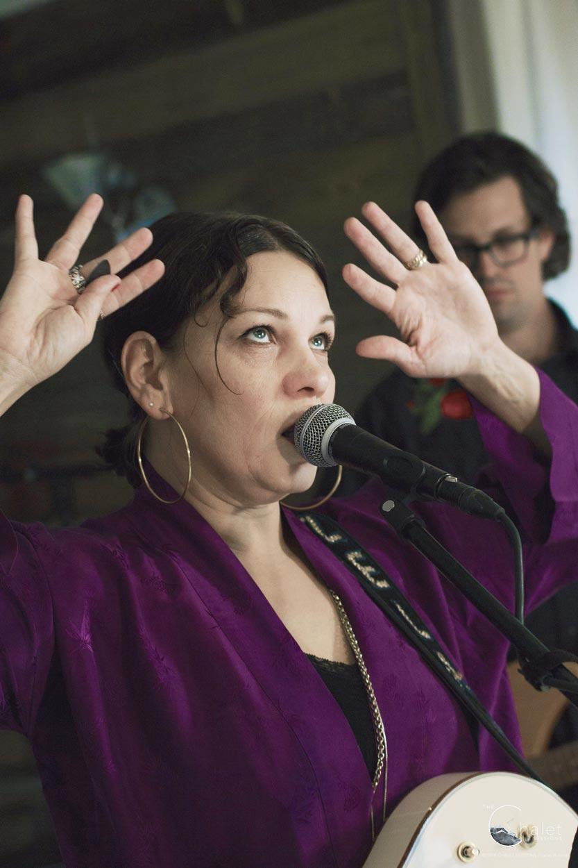 Nadja Zela Session - Nadja Zela singing