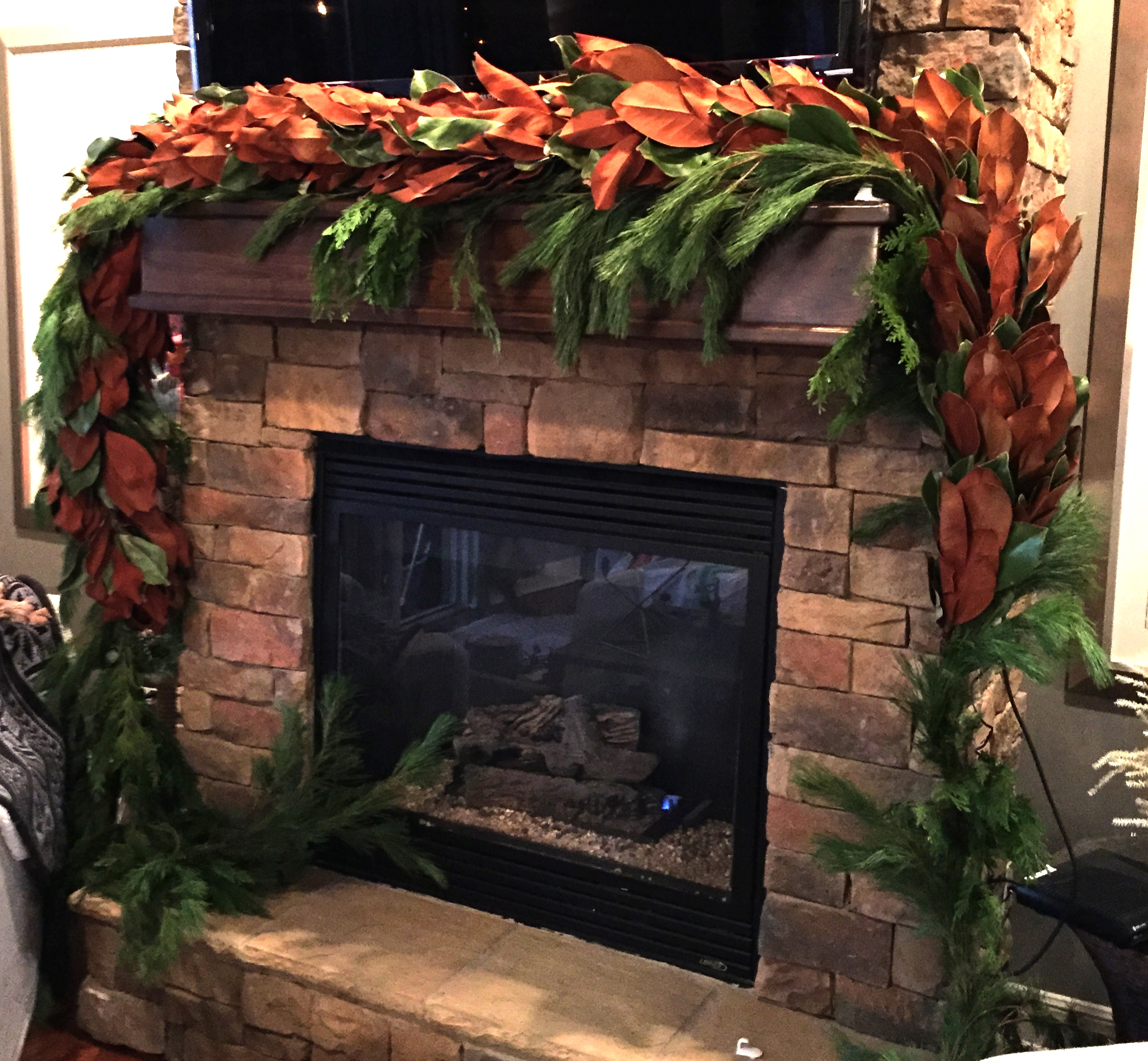 Here's a photo of my mantle in progress! Looks pretty good if I do say so myself ;)