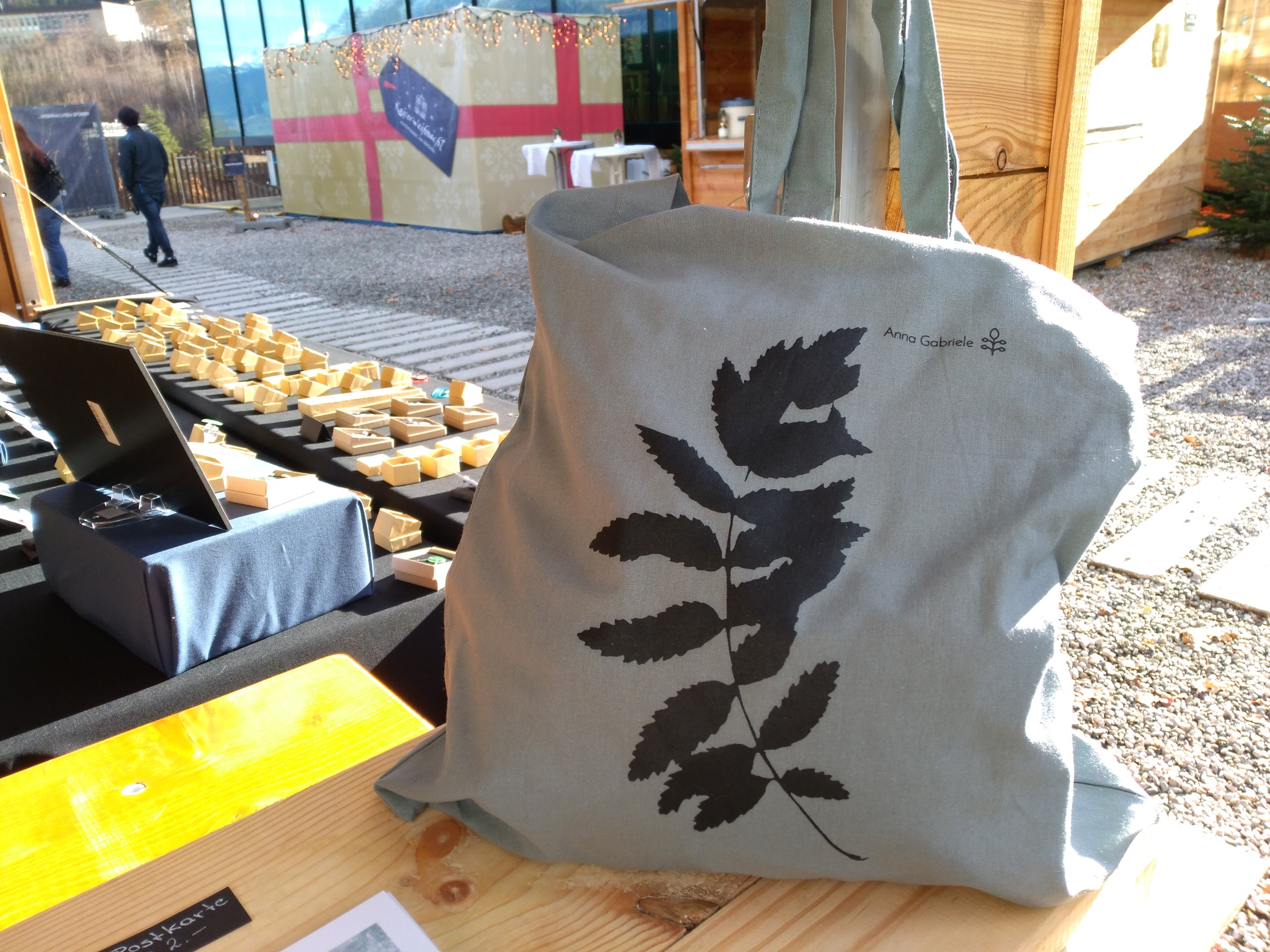 New bags available at the markets (and if you would like one also via  mail )