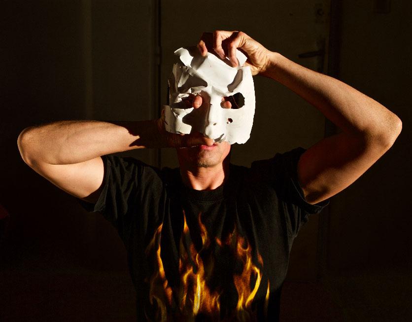 Falling-the-masque--rochegaussen.jpg
