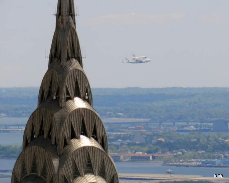 Space Shuttle NYC Fly-Over (Apr 2012) 14.JPG