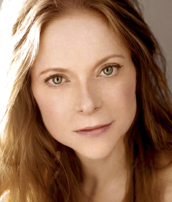 Erin Hill as Kate Mullins