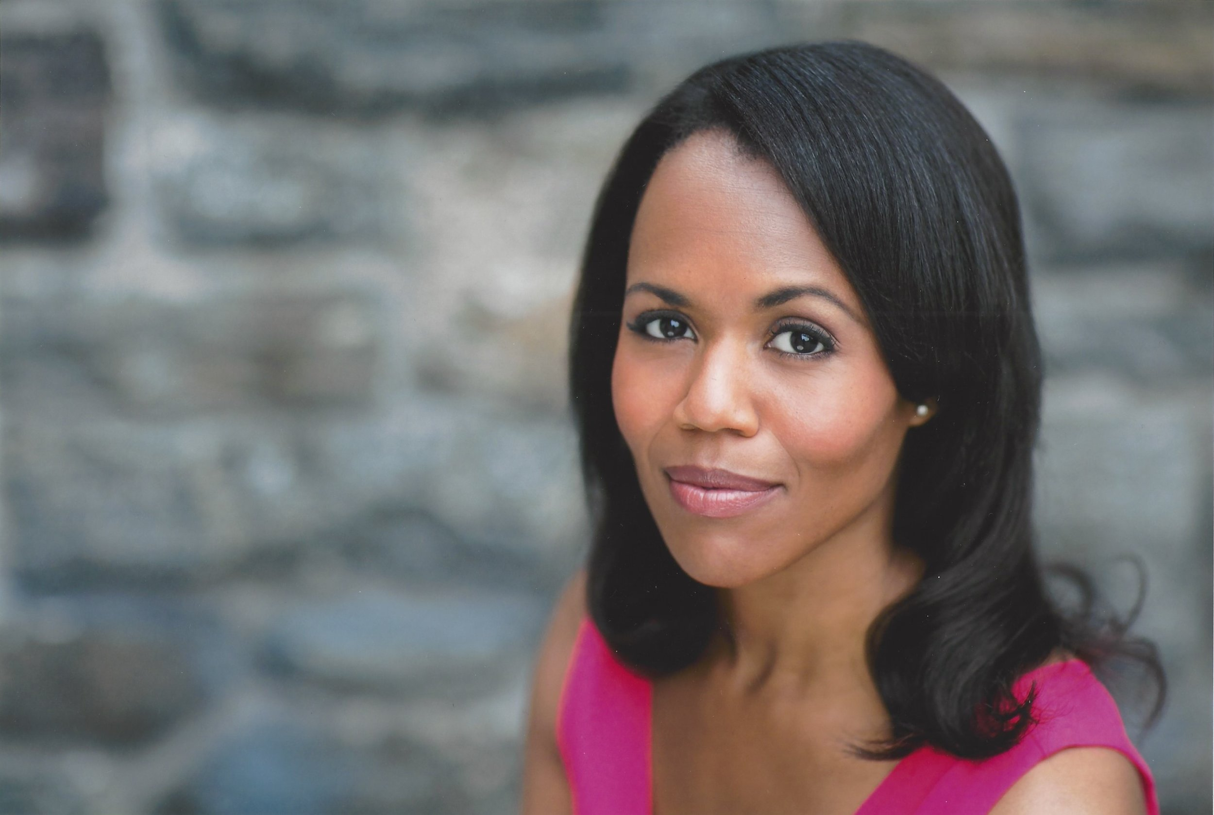 Nikki Renée Daniels