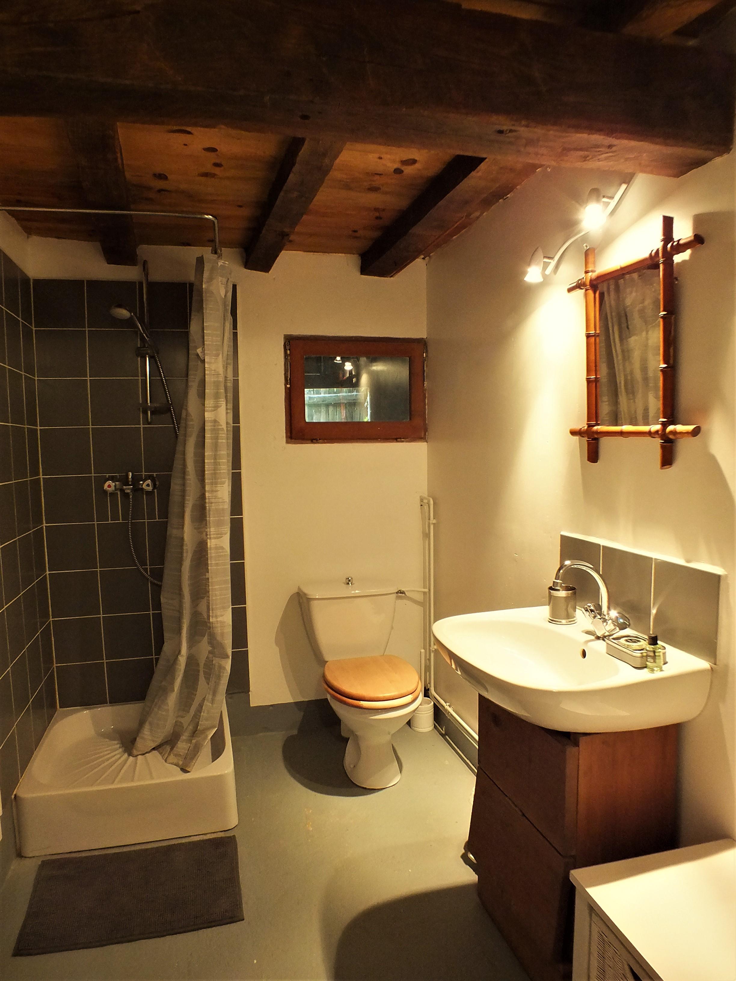 Lodge bathroom.JPG