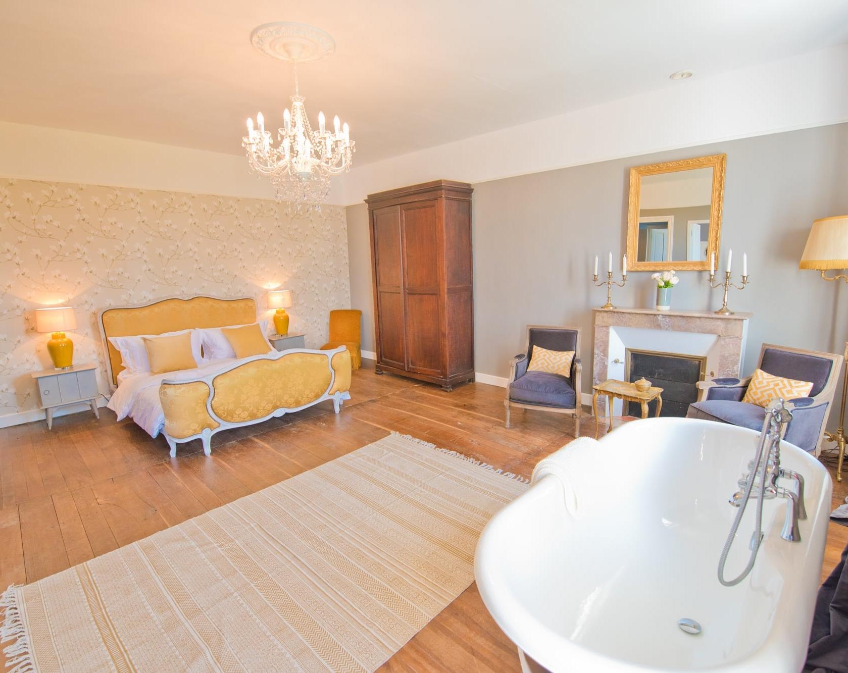 Le Grande Maison - French Suite