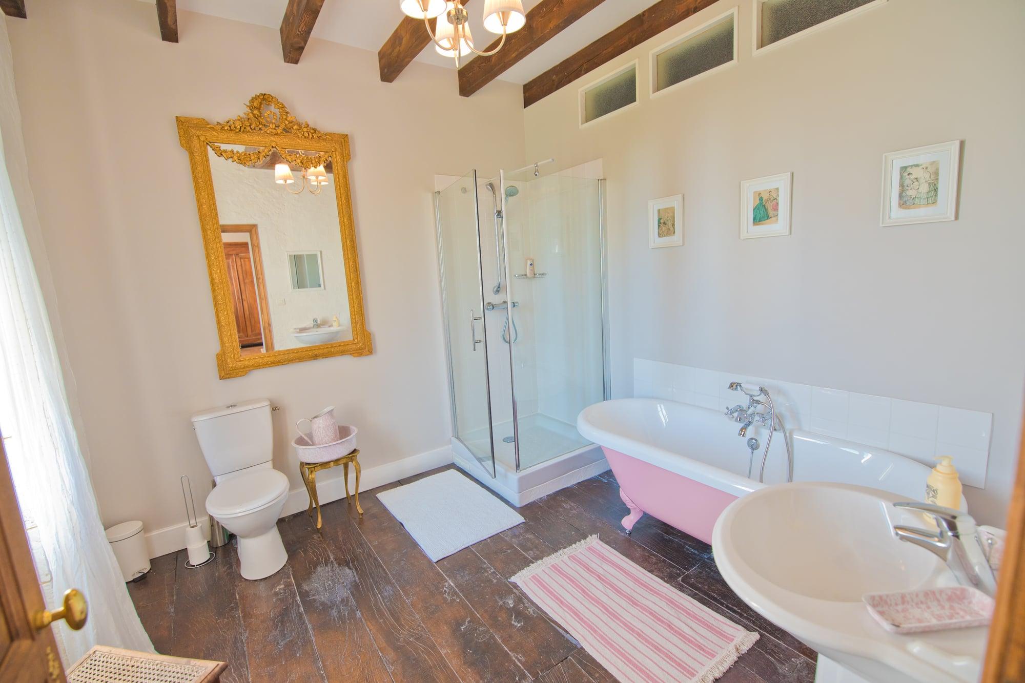 Le Grande Maison - Emperor Suite Bathroom