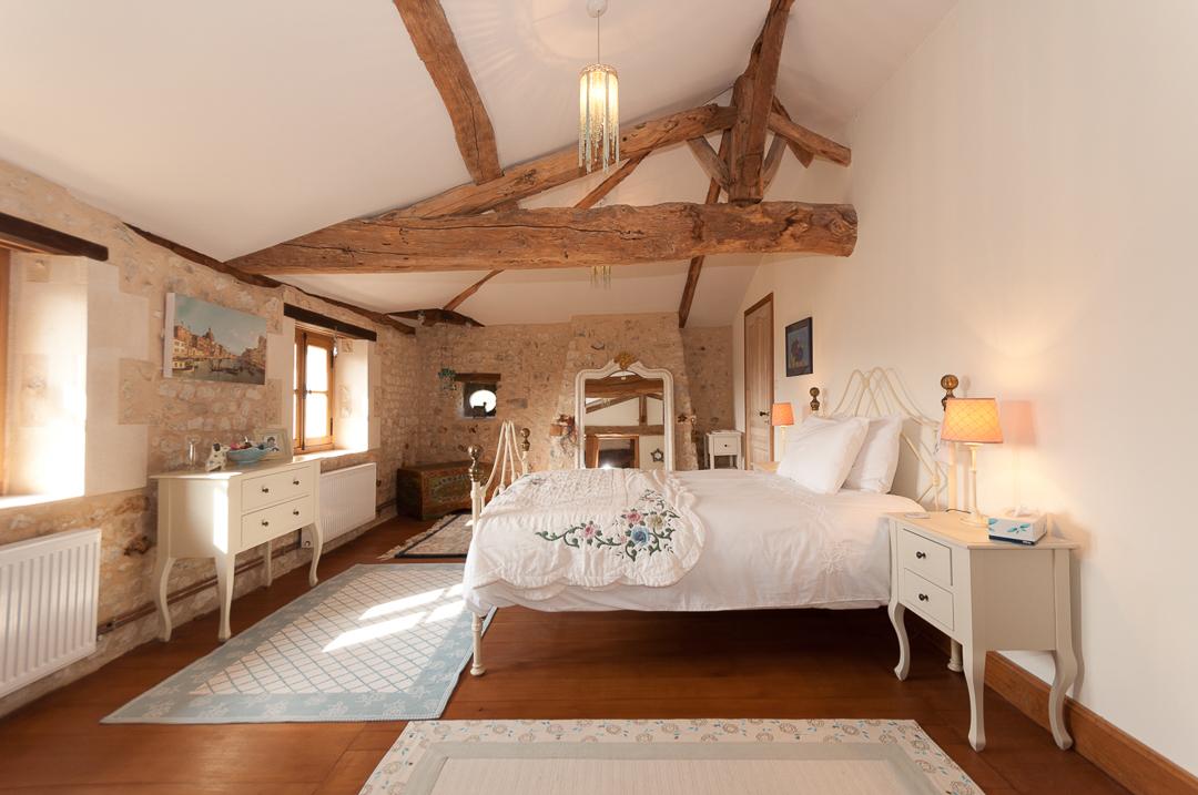 Le Petit Maison - Bedroom One