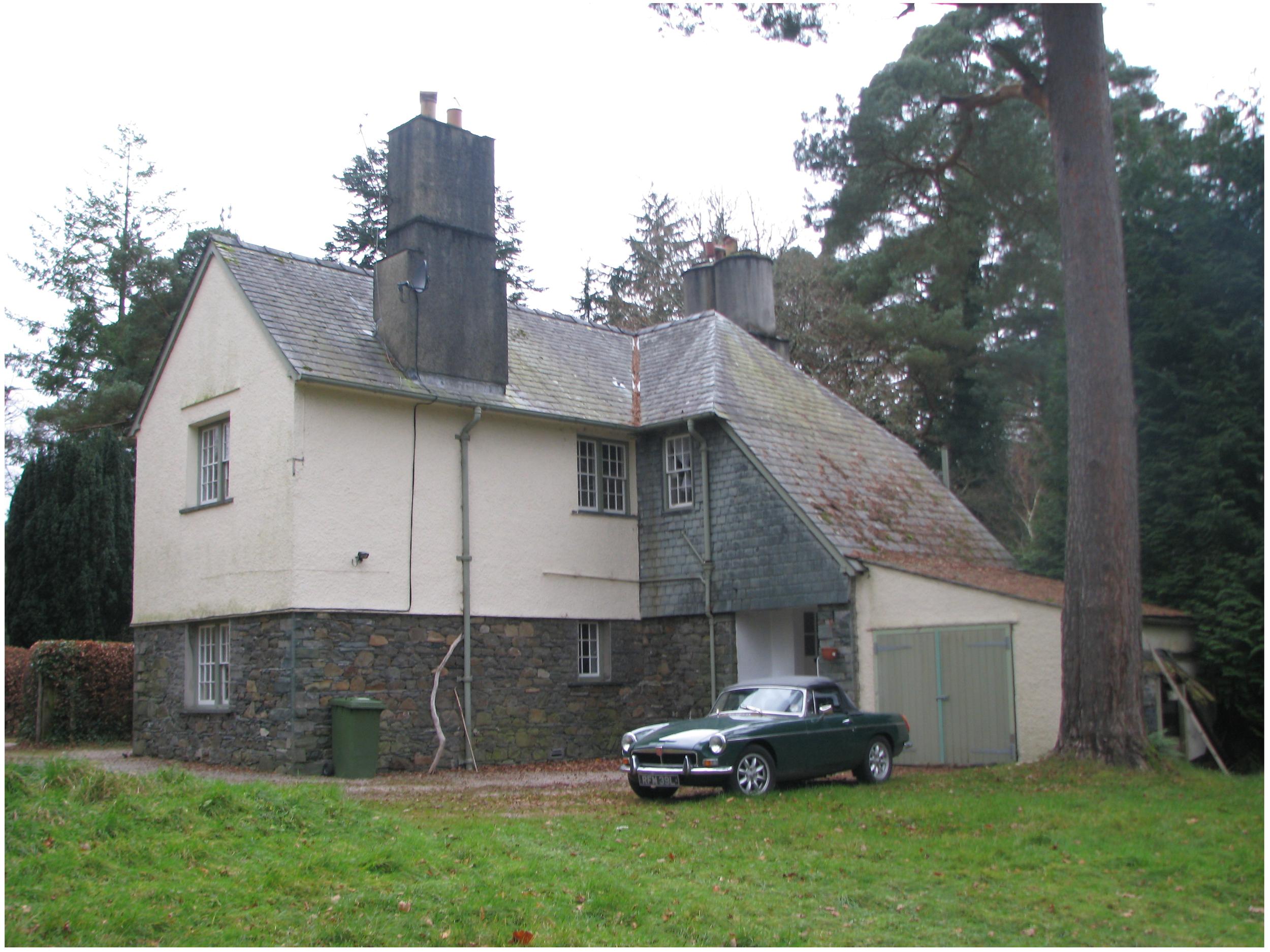Lingholm Lodge 1.JPG