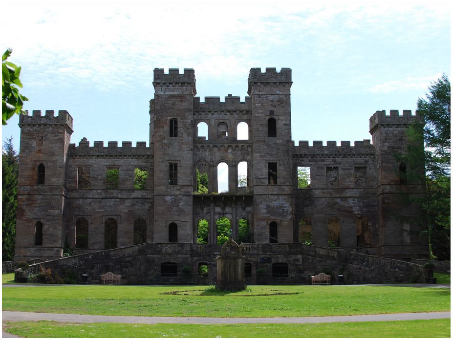 Loudoun Castle 7.jpg