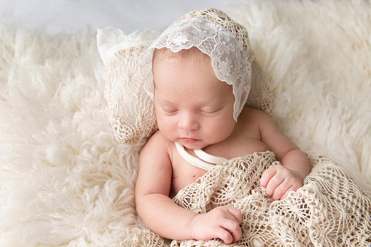 Seattle Newborn Photographer 2.jpg
