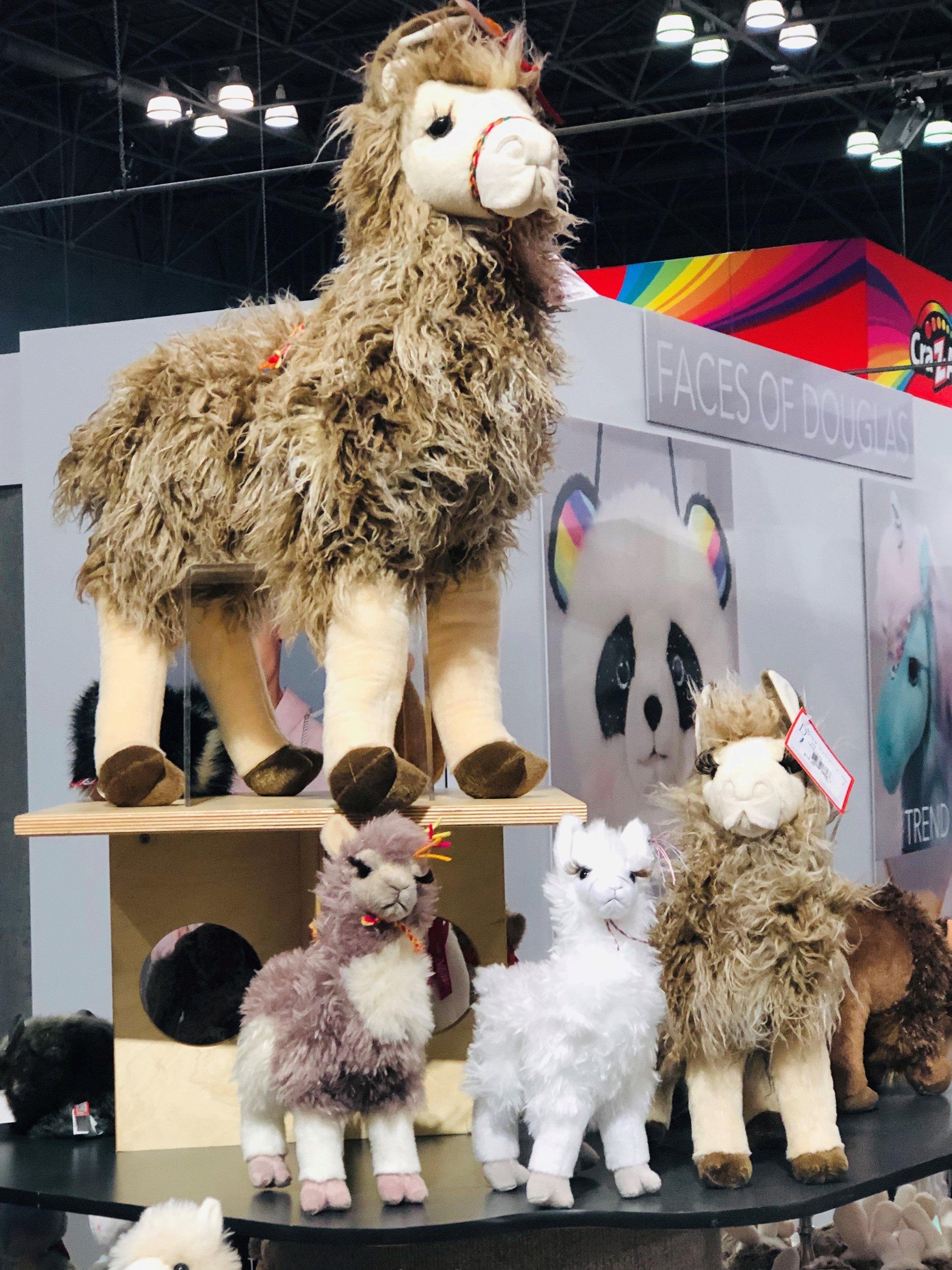 Douglas® Llamas