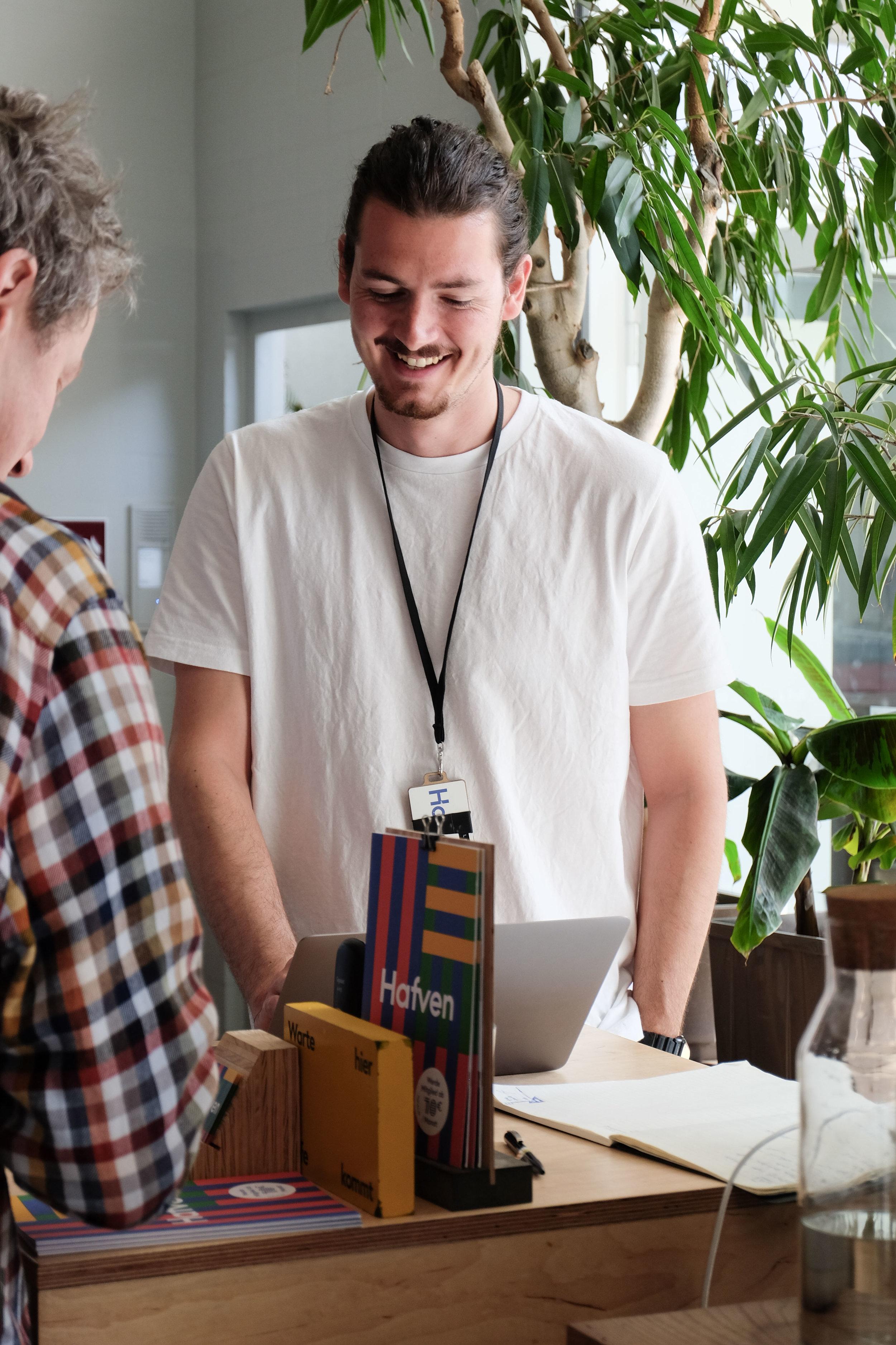 Lennard Sangmeister - Help Desk