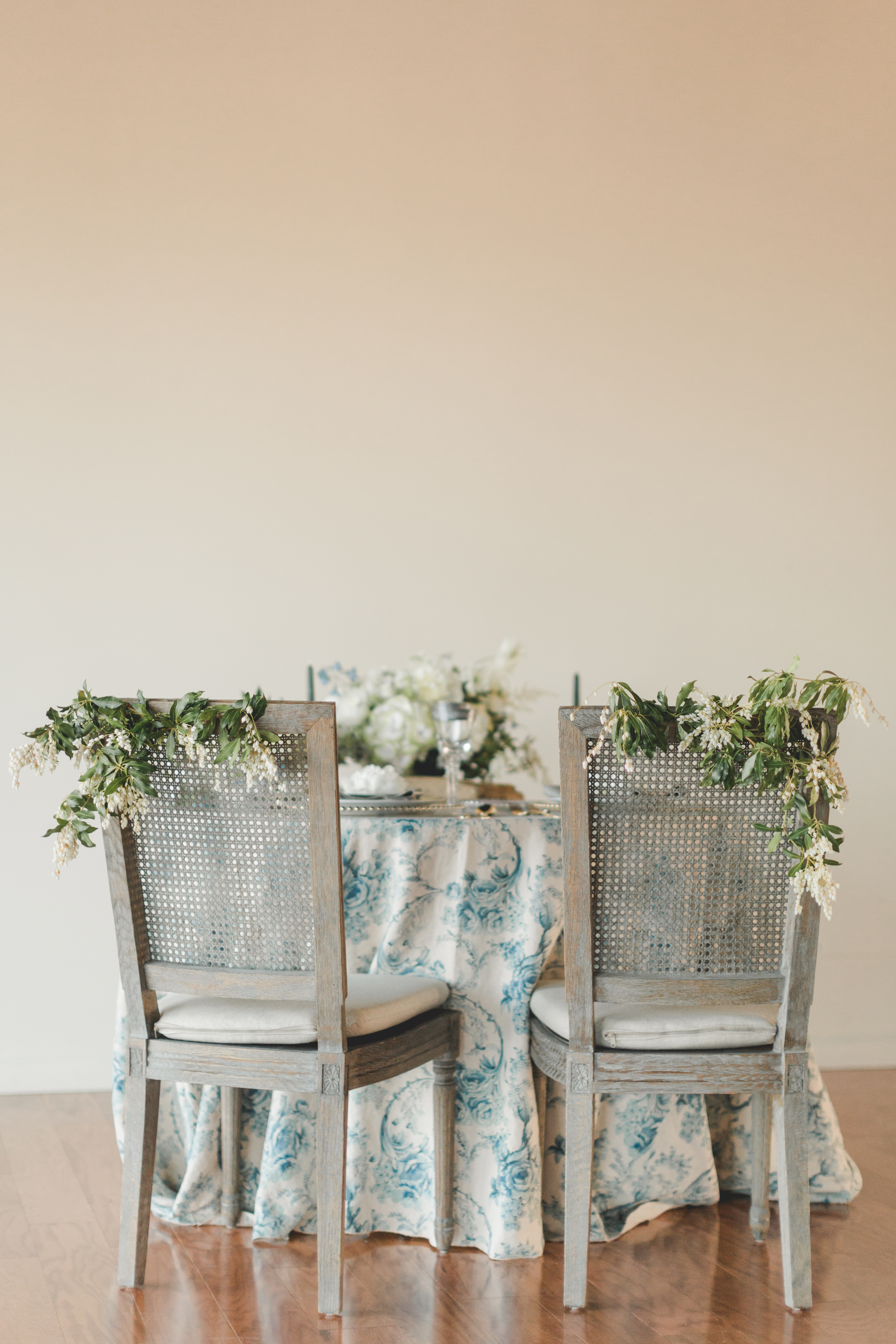 Whaling_Museum_Styled_Shoot_sweethearttable_4-19-16-17.jpg