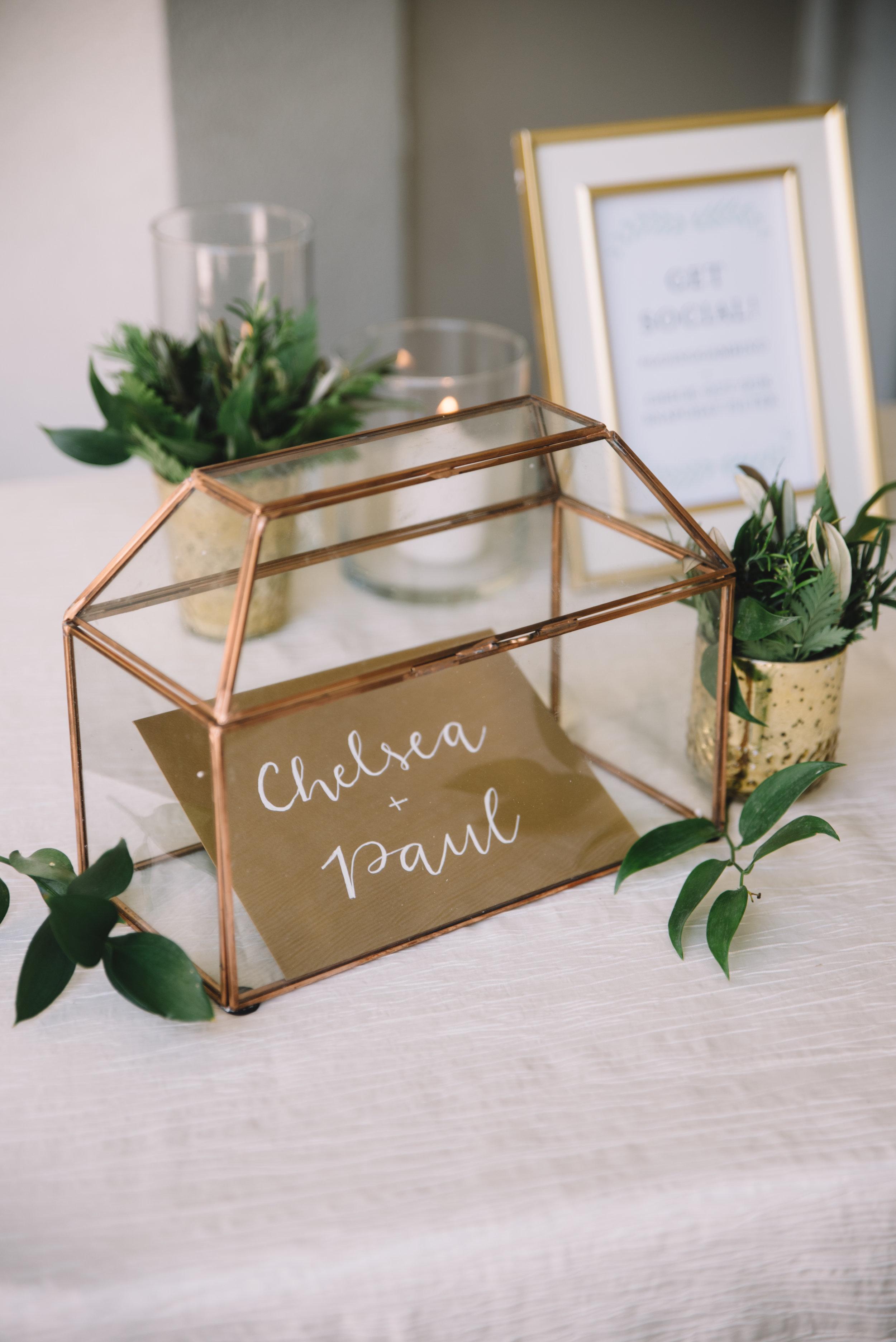 160_7018_ChelseaAndPaul_WeddingFavOfJennings.jpg