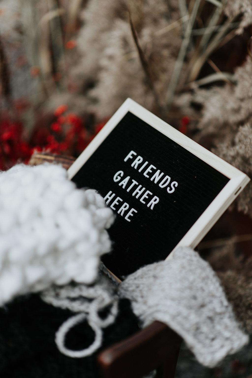 FRIENDSGIVINGmadelineedits-70.jpg